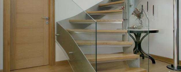 Классическая металлическая лестница 3
