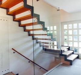 Металлическая лестница на тетивах N 4000, Гамбург
