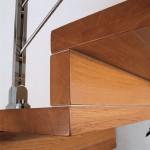 Закрытая деревянная лестница