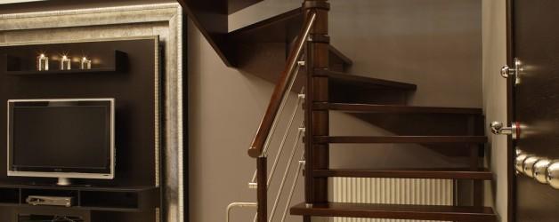 Классическая деревянная лестница 3