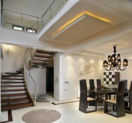 Классическая металлическая лестница 7