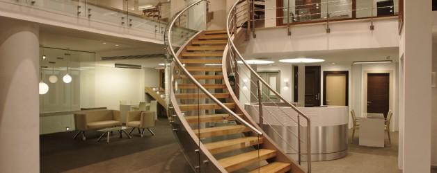 Классическая металлическая лестница 9