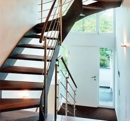 Металлическая лестница на тетивах N 4000, Альсбах — Хенляйн
